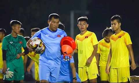 Lộ lý do U19 Việt Nam tập khung 21 giờ đêm hình ảnh