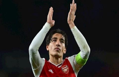 Hậu vệ Hector Bellerin đang là vấn đề lớn nhất của Arsenal hình ảnh