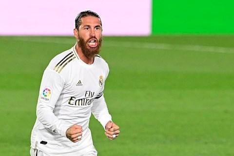 Sergio Ramos lập siêu phẩm, vô tình khiến Ronaldo tủi thân hình ảnh