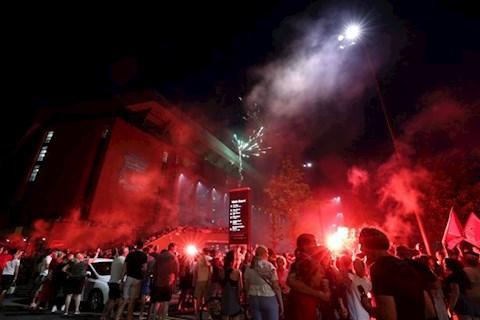 NHM Liverpool ngoai Anfield