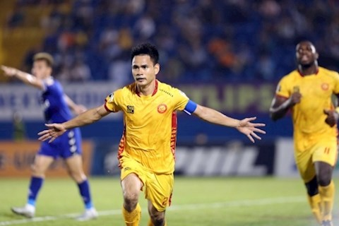Dinh Tung nang ty so 2-0 cho Thanh Hoa