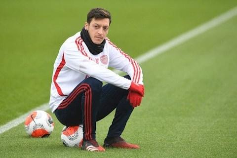 Mikel Arteta cảnh báo Ozil Muốn ở Arsenal, phải xem lại mình! hình ảnh