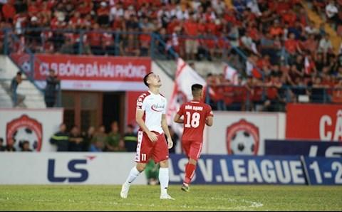Tiền đạo Nguyễn Xuân Nam nuối tiếc vì hụt bàn thắng  hình ảnh