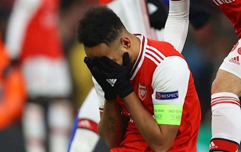 Ôm lòng phản, Aubameyang đáng bị tước băng đội trưởng Arsenal hình ảnh