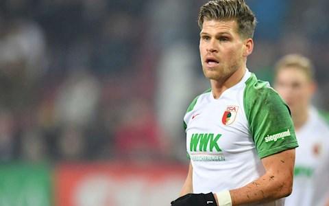 Trượt penalty, tiền đạo Bundesliga đổ lỗi cho… thiếu khán giả hình ảnh