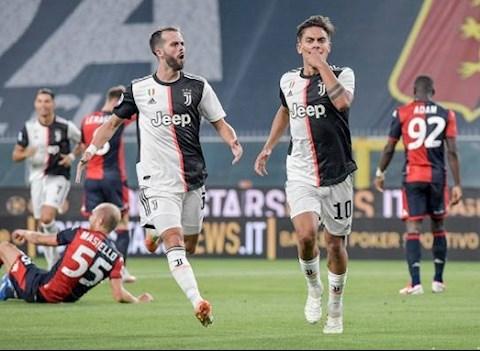 Genoa 1-3 Juventus Ronaldo lập siêu phẩm, Lão bà thắng đẹp hình ảnh 2