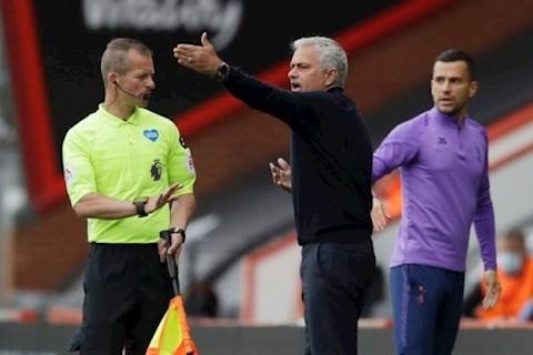 HLV Jose Mourinho bất ngờ cà khịa MU hình ảnh