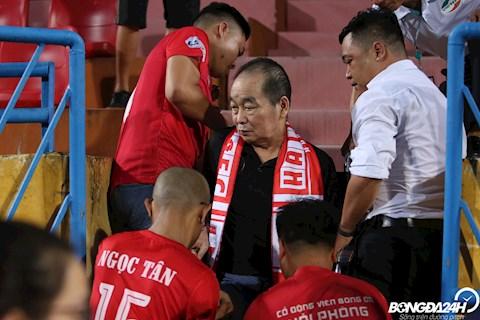 Xúc động khi CĐV Viettel và Hải Phòng tri ân vị HLV lão làng của bóng đá Việt Nam đến sân sau cơn bạo bệnh hình ảnh 2