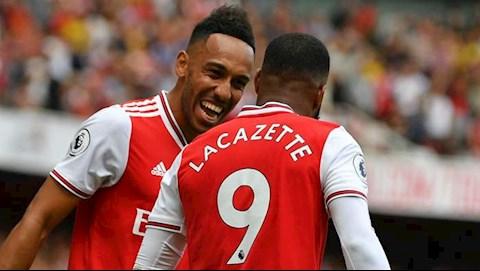 Lacazette Aubameyang đã là huyền thoại của Arsenal hình ảnh