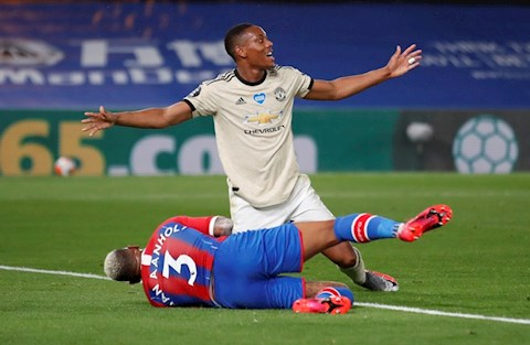 Martial an dinh ty so 2-0