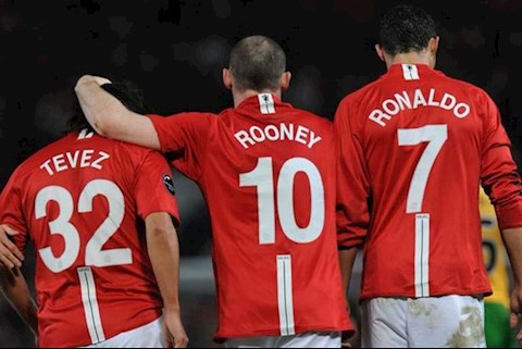 Tam tau moi cua MU duoc so sanh voi Rooney, Ronaldo va Tevez