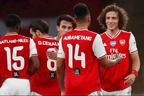Huyền thoại MU sửng sốt với những gì gã hề Arsenal thể hiện hình ảnh
