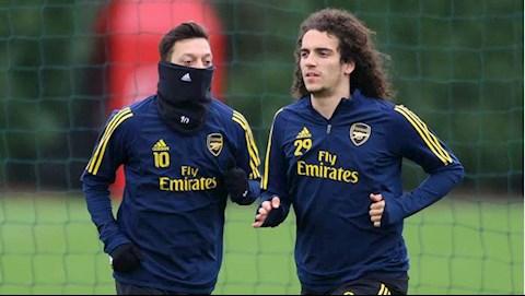 Thái độ thiếu đúng đắn, Mesut Ozil sẽ bị xóa sổ khỏi Arsenal hình ảnh