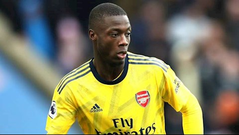Huyen thoai chi trich Arsenal vi chieu mo Nicolas Pepe