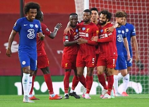 Đả bại Chelsea dưới cơn mưa bàn thắng tại Anfield, Liverpool tưng bừng mừng cúp vô địch hình ảnh 5