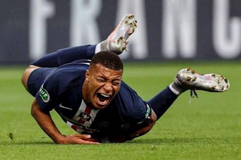Tiền đạo Mbappe của PSG may mắn không chấn thương nặng hình ảnh