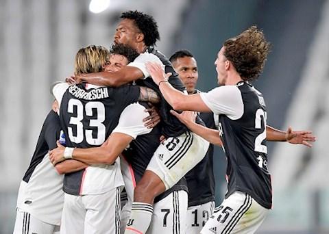 Ronaldo lập công và  sút hỏng 11m, Juventus chính thức đoạt Scudetto thứ 9 liên tiếp hình ảnh 2