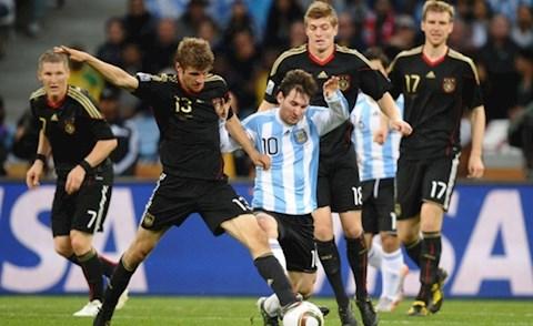 Ngày này năm xưa Messi muối mặt rời World Cup 2010 mà không có nổi một bàn thắng hình ảnh 2