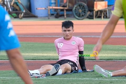 Quang Hai chan thuong