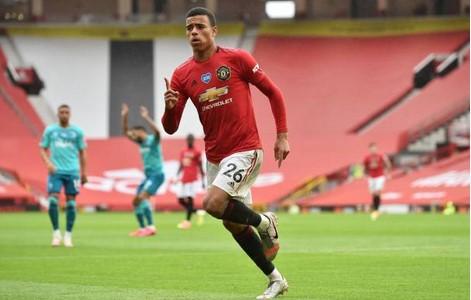 4 điểm nhấn sau màn ngược dòng đẳng cấp trận MU 5-2 Bournemouth hình ảnh
