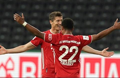 Lewandowski va Gnabry cua Bayern