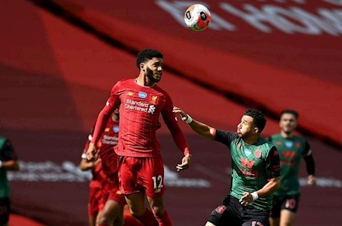 Liverpool vs Aston Villa Gomez