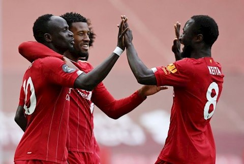 Mane va Keita giup Liverpool thang Aston Villa