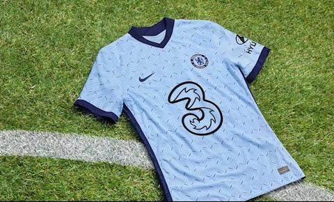 Chelsea ra mắt áo đấu mới mang màu xanh Bắc Cực hình ảnh