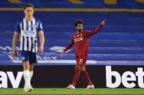 Phá lưới Brighton, Mohamed Salah sánh ngang huyền thoại Liverpool hình ảnh