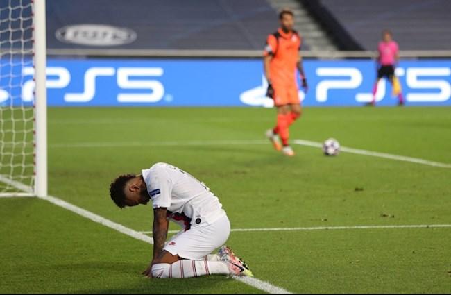 Hinh anh lot ta su bat luc cua Neymar vs PSG trong hiep 1
