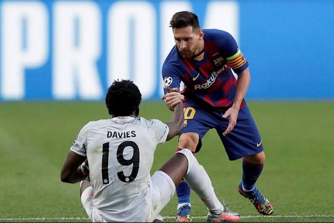 Sao trẻ Alphonso Davies biến hàng thủ Barca thành gã hề hình ảnh
