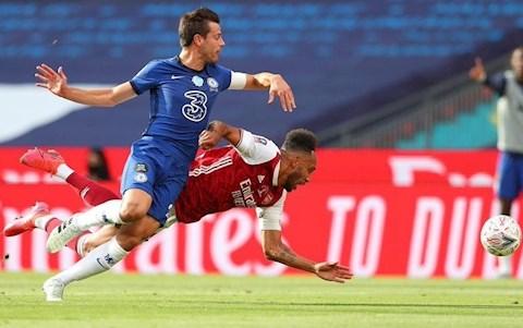 Chelsea vs Arsenal Aubameyang va Azpilicueta