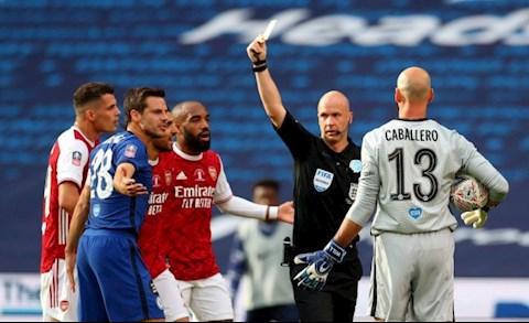 John Terry tức giận với trọng tài trận Arsenal 2-1 Chelsea hình ảnh