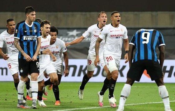 Sevilla vs Inter Lukaku buon