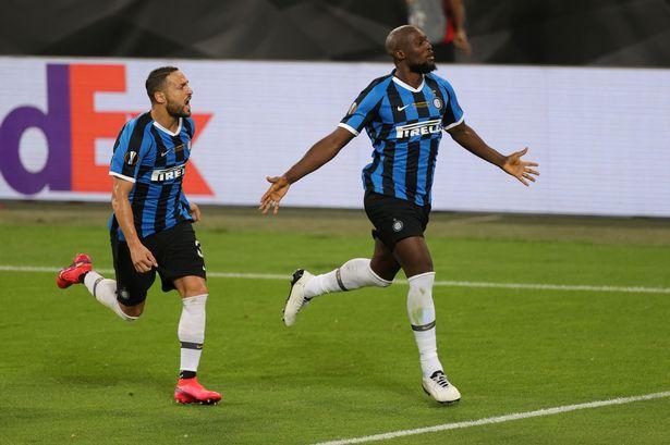Sevilla vs Inter Lukaku ghi ban