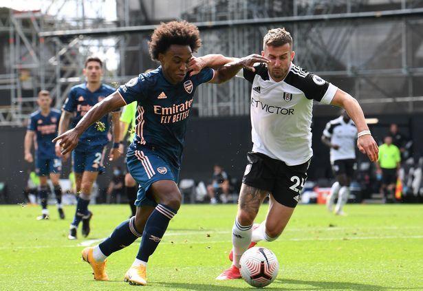 Arsenal thang Fulham 3-0 Willian di bong