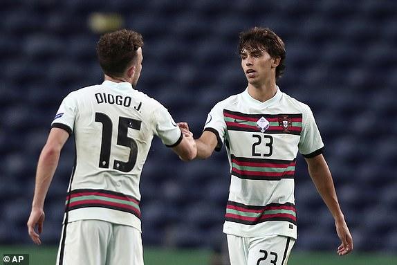 Bo Dao Nha co chien thang tung bung ma khong can Ronaldo