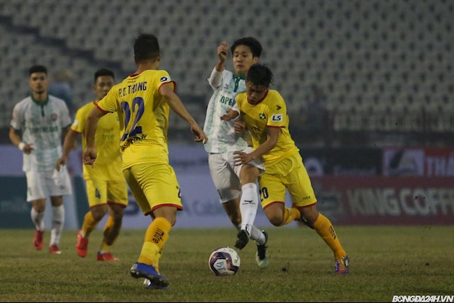 SLNA vs Bình Định