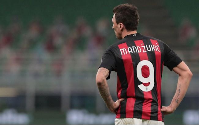 Mario Mandzukic có phá được lời nguyền áo số 9 của Milan?