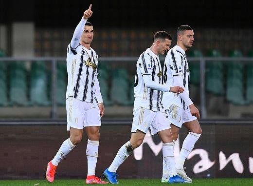 Ronaldo lập công, Juventus vẫn bất lực trước Verona