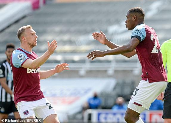 Diop gỡ lại 1 bàn cho West Ham