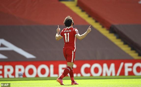 Salah giúp Liverpool dẫn trước 1-0 sau 45 phút