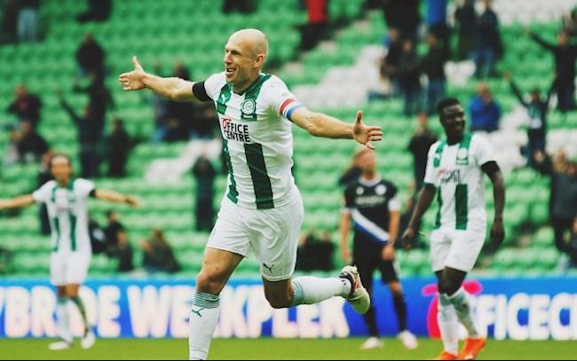 Phút bù giờ của Arjen Robben