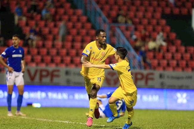 Konan scored the only goal to help Nam Dinh defeat Quang Ninh