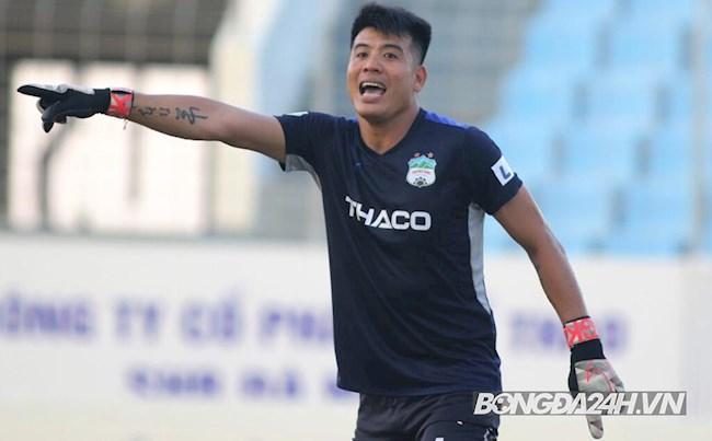 Goalkeeper Tran Buu Ngoc