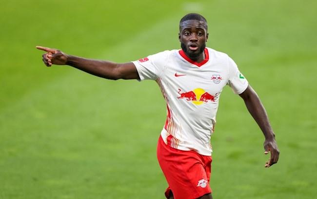 """Dayot Upamecano: """"Con báo đen"""" của hàng phòng ngự RB Leipzig"""