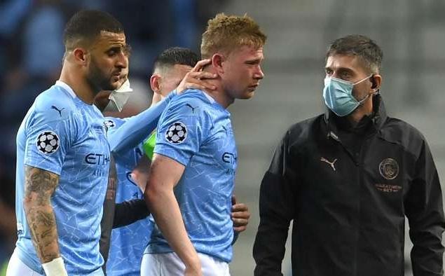 De Bruyne rời sân vì chấn thương