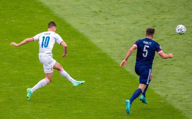 Video Scotland vs CH Séc (Bảng D CVK Euro 2020): Siêu phẩm sút xa của Schick