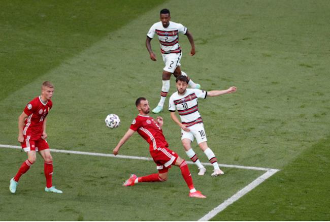 Tình huống tạt bóng của Bernardo Silva cho Ronaldo