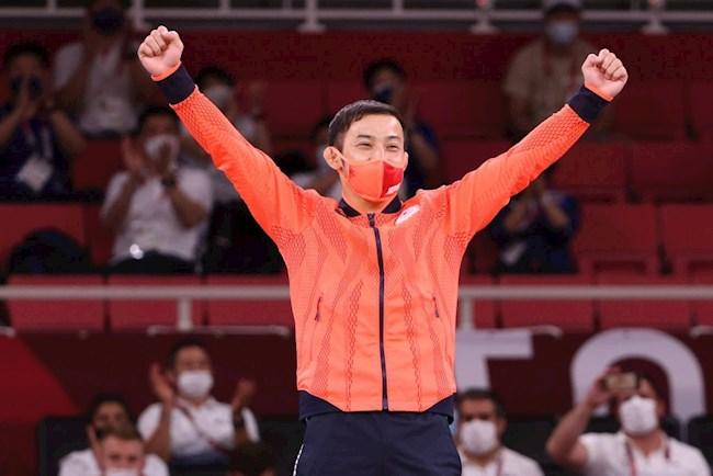 Đoàn thể thao chủ nhà Nhật Bản có HCV Olympic đầu tiên ở